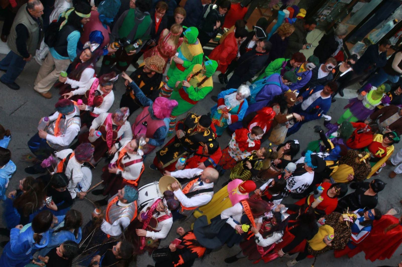 Pasacalles Carnaval de Morón 2019. Foto: Pasacalles 2017 (por Gabriel Giráldez)